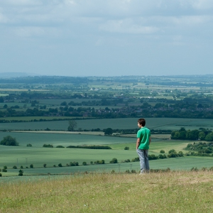 EU-GB-London_20150627_257 lachie checking out the view from Dunstable Downs