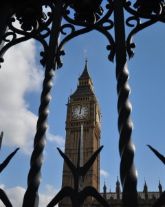 Big Ben behind the railings of the Palace of Westminster